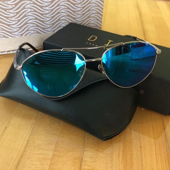 87418a1cd68b9 Diff sunglasses Scout Blue Mirror Aviator NEW